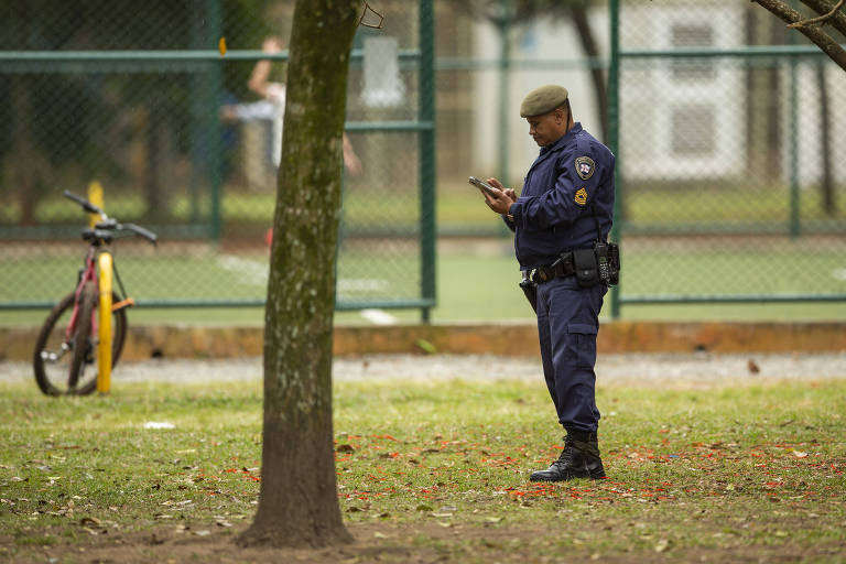 Guarda faz a segurança no parque Ibirapuera, em São Paulo