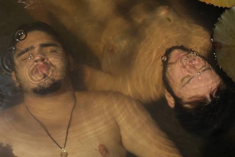 Cena do curta-metragem 'Aqueles Dois', de Émerson Maranhão, que serviu de base para o projeto de série 'Transversais'