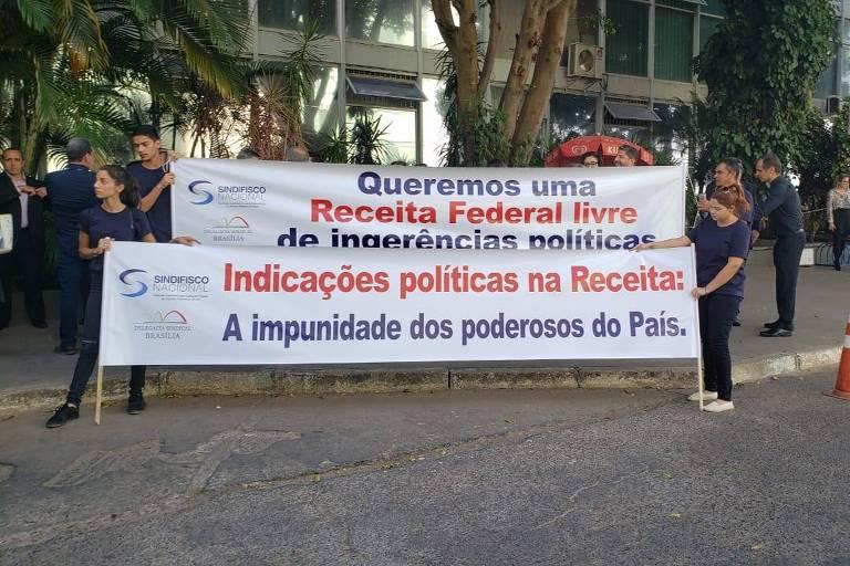 Auditores fazem protesto na porta do Ministério da Economia