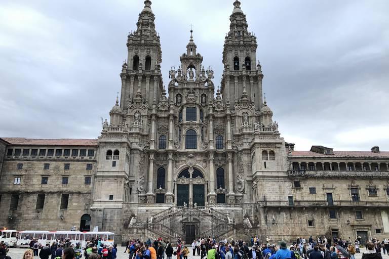 Catedral de Santiago de Compostela, primeira cidade do roteiro pelo norte da Espanha