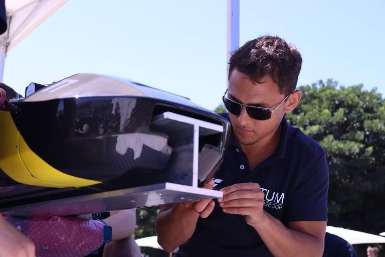 Rafael Nass, 23, estudante de engenharia mecânica que desenvolve o hyperloop, tecnologia de transporte futurista