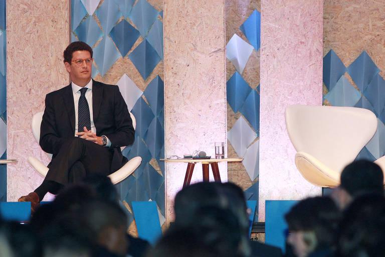 Ricardo Salles, ministro do Meio Ambiente, durante Climate Week, em Salvador, sentado