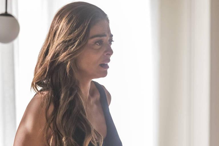 Josiane ( Agatha Moreira ) expulsa Maria da Paz ( Juliana Paes ) da mansão.