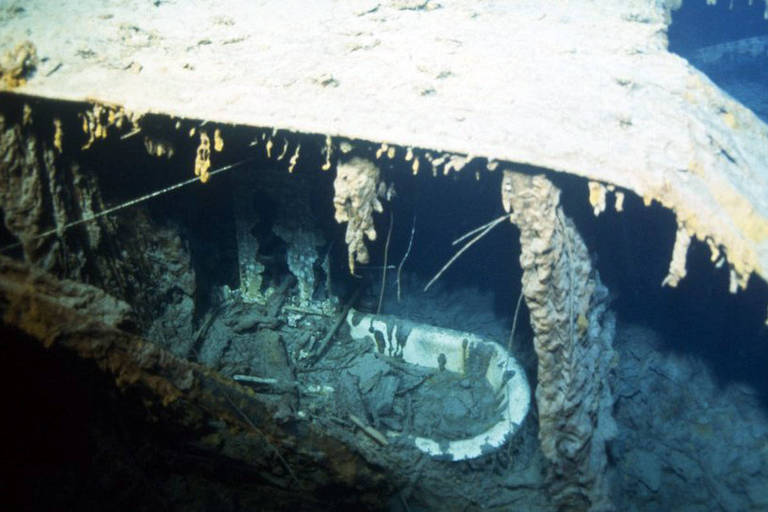 A banheira do capitão, fotografada durante uma expedição em 1996, se perdeu
