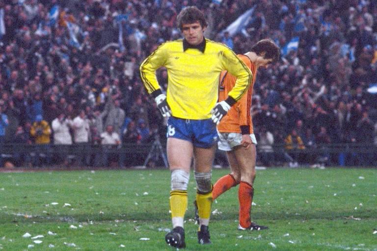 Jan Jongbloed lamenta após sofrer gol contra a Argentina, na final da Copa do Mundo de 1978
