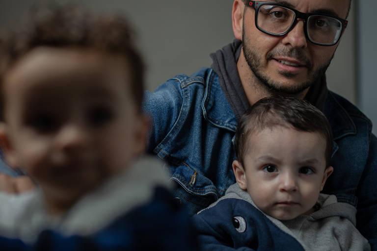 Edu Leporo, lança um livro para contar a história de um de seus filhos, que ficou 70 dias na UTI