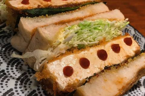Sanduíche servido no izakaya Kuroda