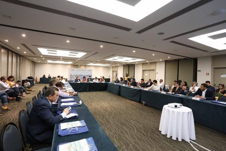 Reunião de prefeituras e estados na Climate Week em Salvador