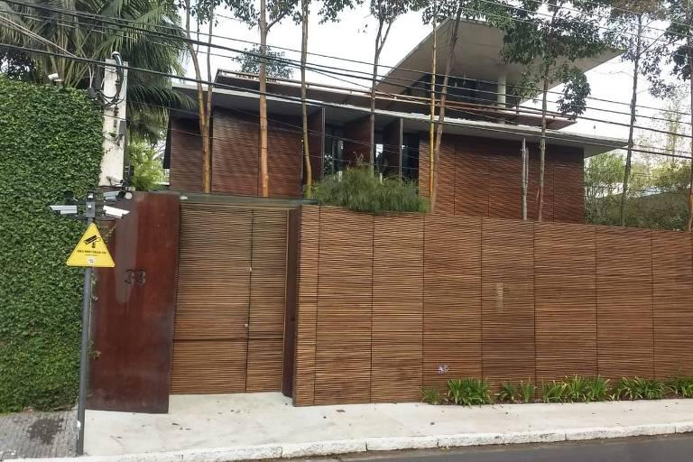 Vizinhança Solidária, programa da PM que virou lei em SP, incentiva moradores a vigiar suas ruas