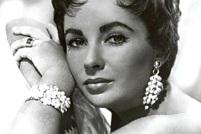 Elizabeth Taylor em foto de 1953