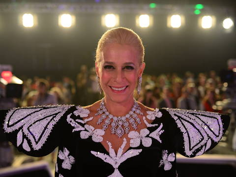A Estrela do Brasil é um futuro filme biográfico brasileiro de 2019 escrito por Carolina Kotscho com direção de Maurício Farias, e estrelado por Andréa Beltrão como a personagem-título, a apresentadora de televisão Hebe Camargo. Crédito Diculgacao