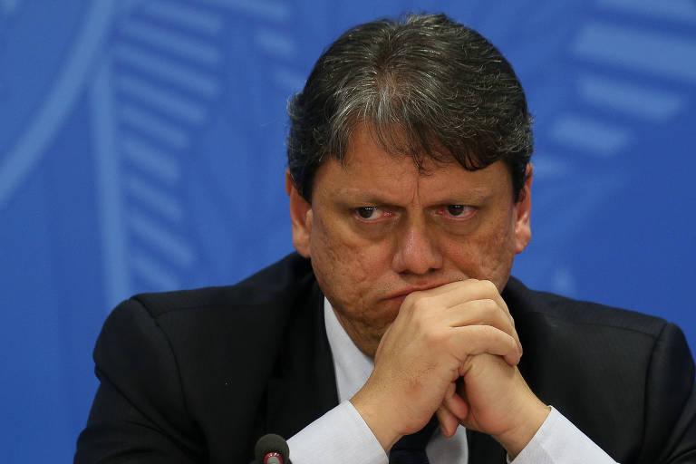 Brasil vai vender 43 aeroportos, apesar da crise do coronavírus, diz ministro
