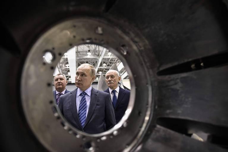 Presidente da Rússia, Vladimir Putin,  com membros do Conselho de Segurança em Anapa, Rússia