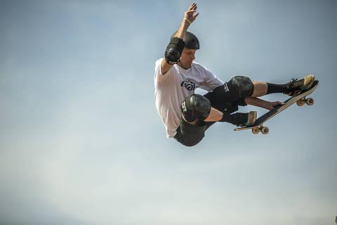 SÃO PAULO, SP, 18.08.2019 - O ex-skatista americano Tony Hawk, no Centro de Esportes Radicais do Bom Retiro, em São Paulo. (Foto: Jardiel Carvalho/Folhapress)