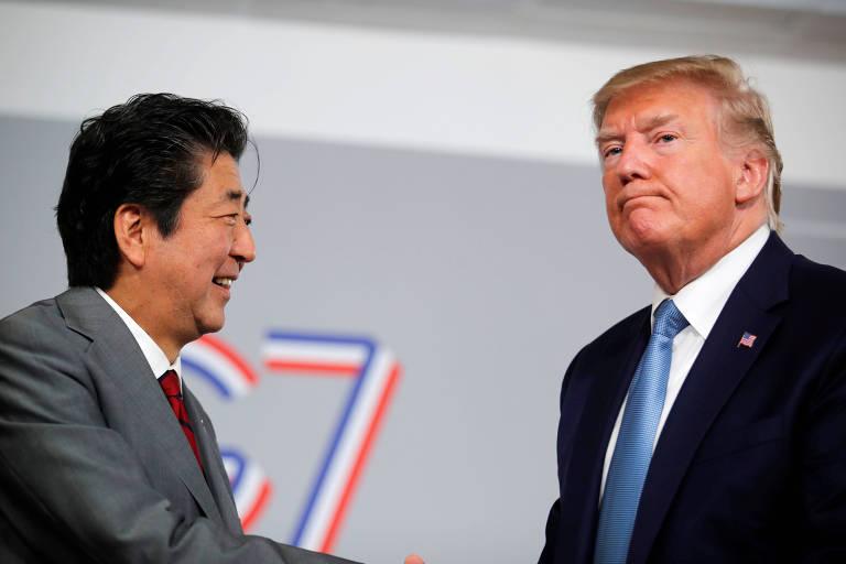 Shinzo Abe e Donald Trump durante encontro bilateral na reunião do G7 em Biarritz (França), em 2019