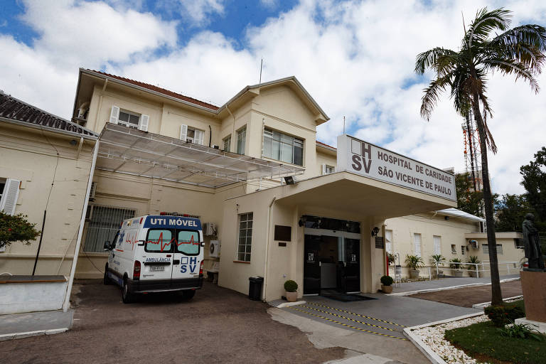 Médicos se unem e doam reforma em quarto de hospital