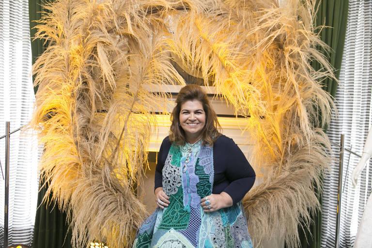 Martha Medeiros na suíte do hotel Tangará, onde lançou coleção