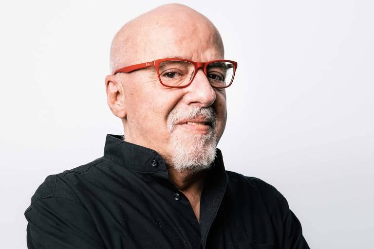 Paulo Coelho e Gretchen se desculpam ao presidente francês pela gafe de Bolsonaro