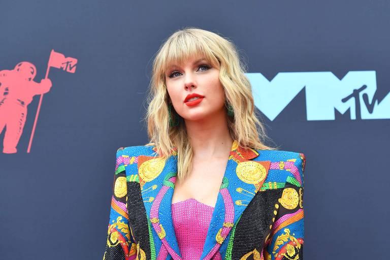 1° lugar: Taylor Swift faturou US$ 185 milhões (R$ 765 milhões)