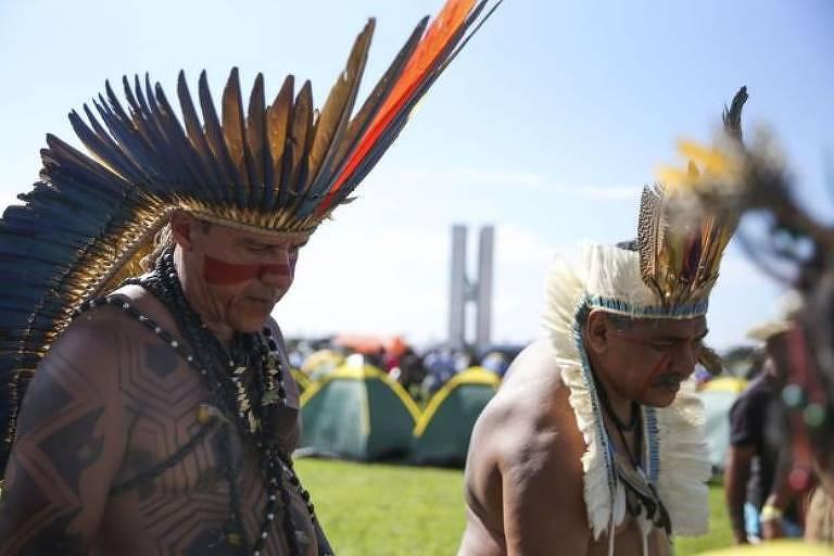 Discurso sobre manipulação de indígenas por ONGs os trata como 'inocentes frágeis', diz antropóloga