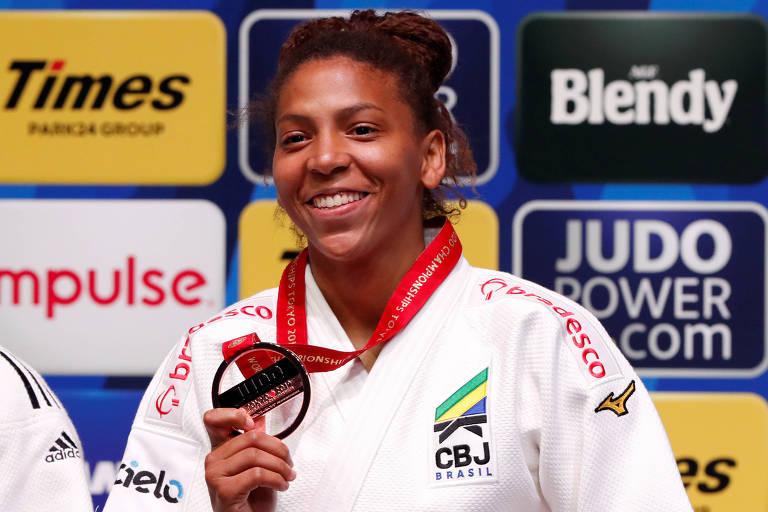 Rafaela Silva com o bronze do Mundial de Judô de 2019