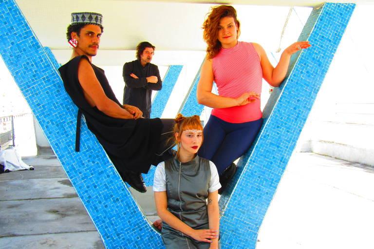 Elenco da peça infantil 'Bertoldo, o Tubarão que Queria Ser Gente'