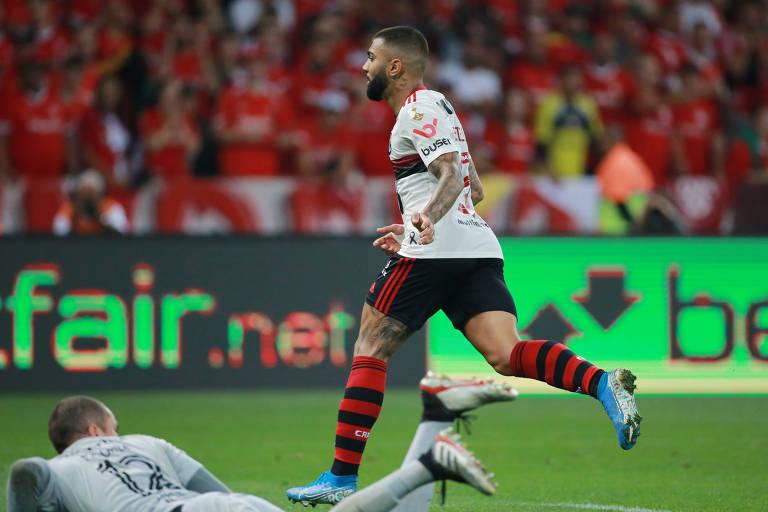 Gabigol comemora gol de empate do Flamengo