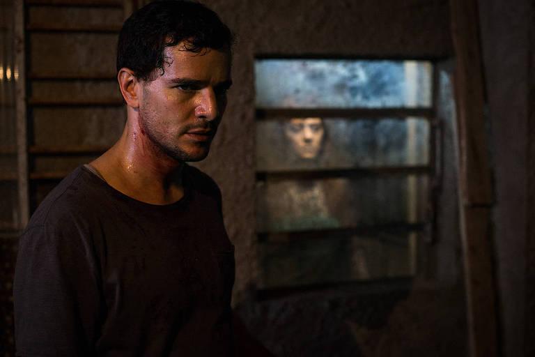 Cena do filme 'Morto Não Fala', de Dennison Ramalho