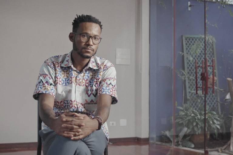 Cena do documentário O Silêncio dos Homens; Túlio Custódio é sociólogo e curador de conhecimento do Inesplorato