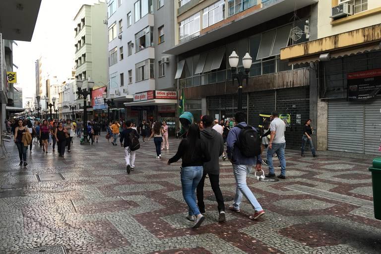 Calçadão da rua Halfeld, em Juiz de Fora, em agosto de 2019. Local foi cenário da facada no então candidato Jair Bolsonaro