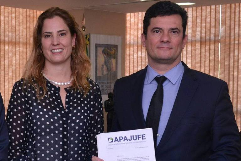 A juíza federal Gabriela Hardt em encontro com o ministro Sergio Moro