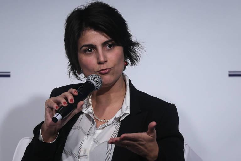 Manuela d'Ávila (PC do B), então candidata a vice-presidente, em fórum durante a campanha de 2018