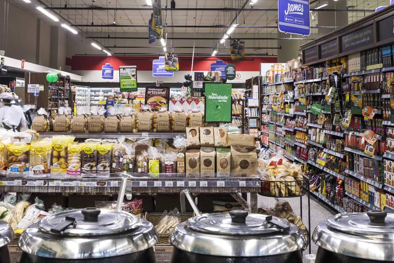 Nove meses depois da morte de Manchinha, supermercados abraçam causa animal