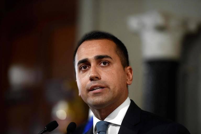 O líder do Movimento 5 Estrelas, Luigi Di Maio, discursa após encontro com o presidente da Itália, no Palácio Quirinal, em Roma