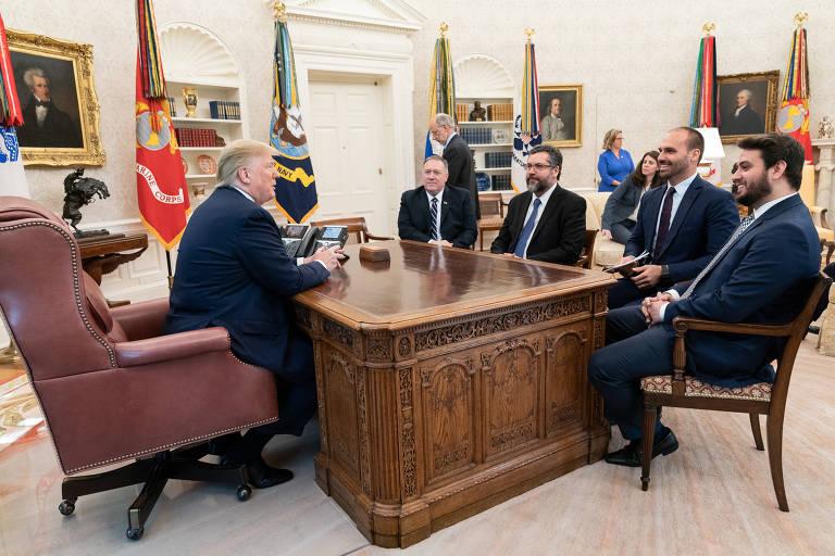 O presidente americano, Donald Trump, recebe comitiva brasileira na Casa Branca