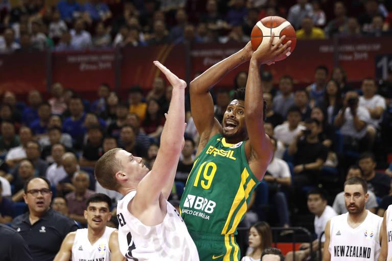 Leandrinho Barbosa em ação na Copa do Mundo de basquete, em 2019