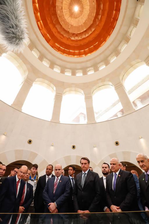 Bolsonaro visita o Templo de Salomão, em SP