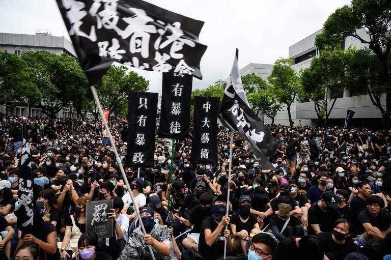 Manifestantes de Hong Kong boicotam aulas como forma de protesto