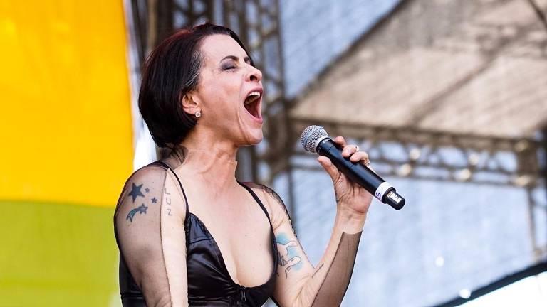 Marina Lima em show com Letrux no festival Sarará 2019, na esplanada do Mineirão 2019, em Belo Horizonte