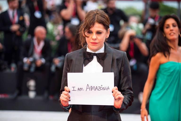 O documentário marca a estreia de Bárbara Paz como produtora e diretora de um longa-metragem