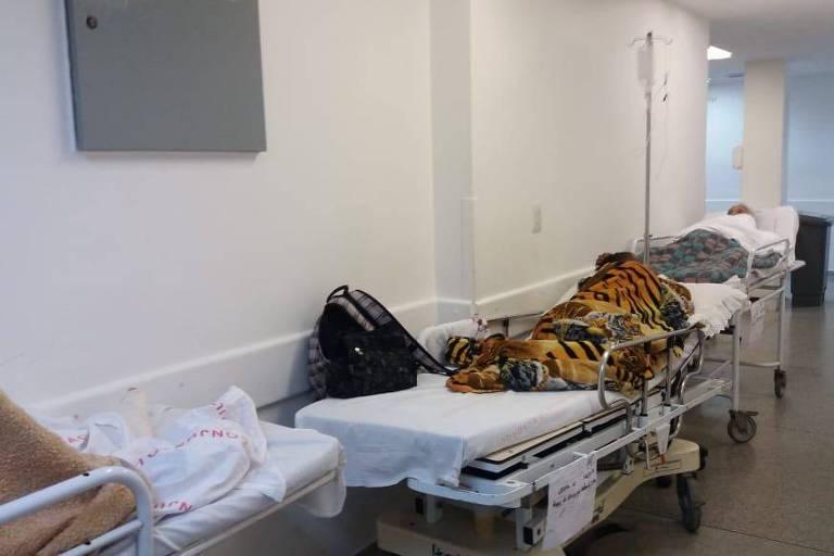 Paciente fica até 2 dias em cadeira de rodas no Hospital do Mandaqui