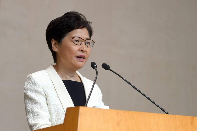 A chefe-executiva de Hong Kong em coletiva de imprensa no dia 3 de setembro.