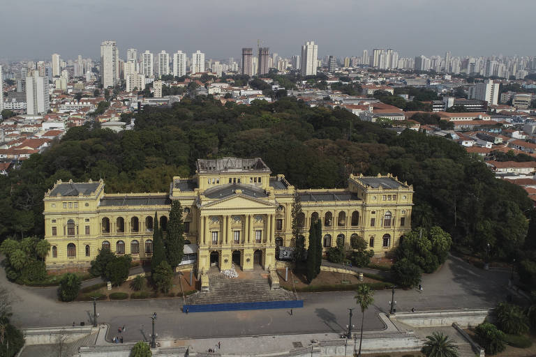 Vista de drone do Museu Paulista da USP, conhecido como Museu do Ipiranga