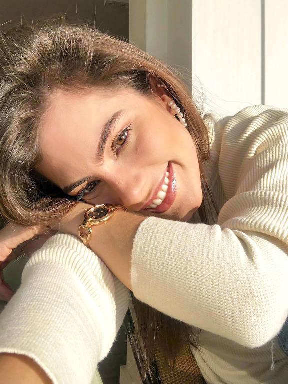 Imagens da atriz Bruna Hamú
