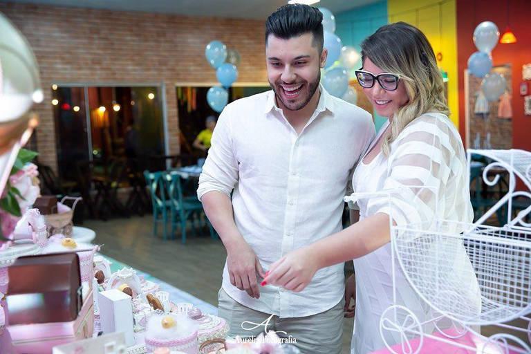 Marilia Mendonça e Murilo Huff no chá revelação do filho do casal