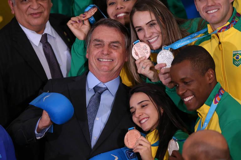 Bolsonaro durante recepção aos atletas brasileiros do Pan de Lima