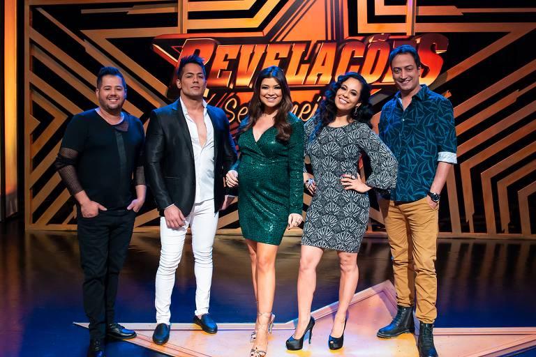 Da esq. para a dir.: a dupla Hugo & Tiago, Amanda Françozo, Adriana Sanchez e o maestro Rodrigo Costa