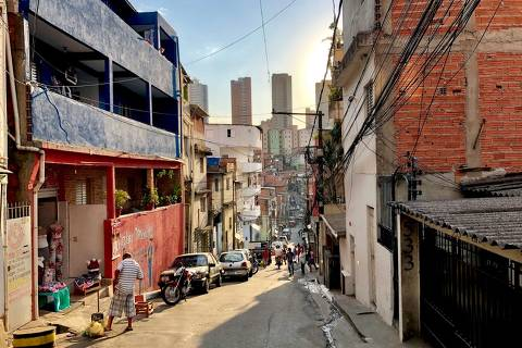 Rua Melchior Giola, em Paraisópolis, zona sul de SP