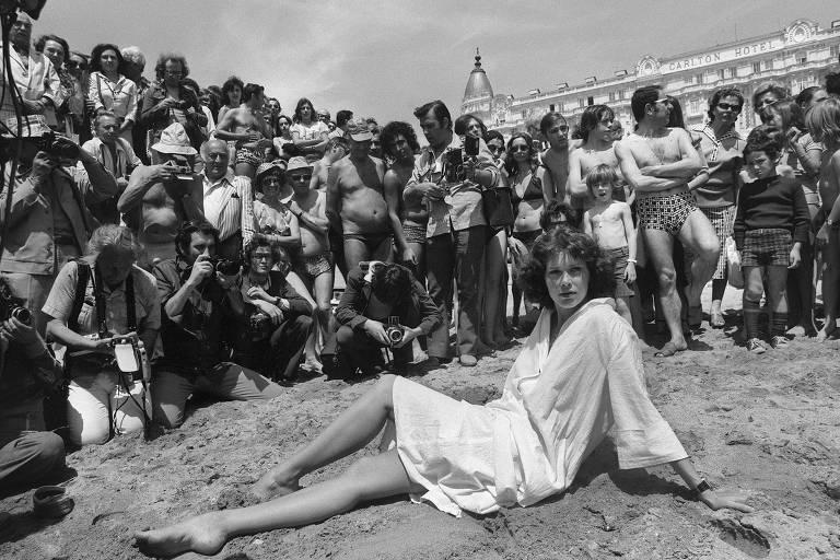 Veja imagens do clássico erótico 'Emmanuelle'