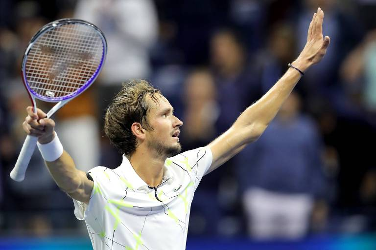 Daniil Medvedev comemora vitória na semifinal contra Grigor Dimitrov